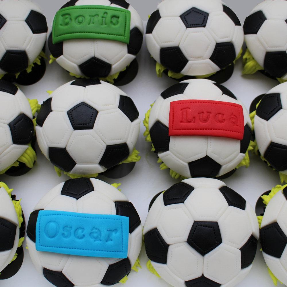 football pinãta cupcakes.jpg