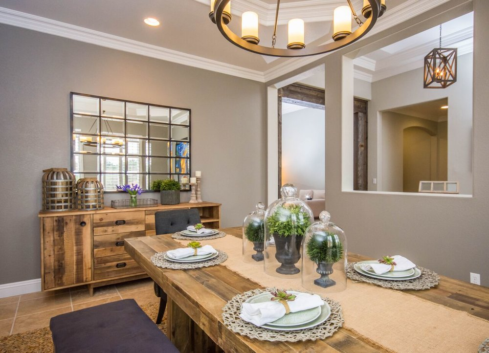 California Chic Offers A Wide Variety Of Services With A Fresh Perspective  On Design And A Modern Twist!