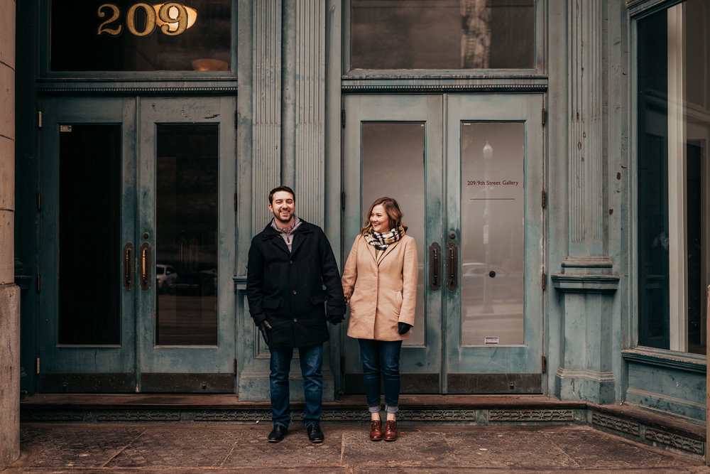 Downtown Pittsburgh engagement session-20.jpg