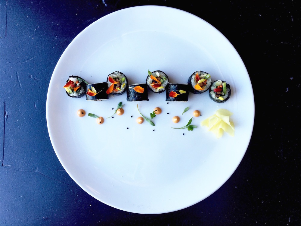 Sushi roll // jicama rice / shiitake mushrooms / chipotle mayo