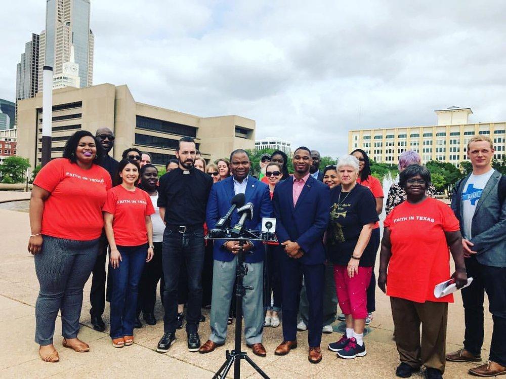 Juntos Votamos - Fe en Texas quiere nuestra congregaciones sean el bloque de votación más grande de DFW. Creemos pasos hacia esto75.000 electores que participen en el metroplex de DFWAyudar a las personas directamente afectadas y las comunidades de que no suelen votar a convertirse en personas envueltas cívicamente