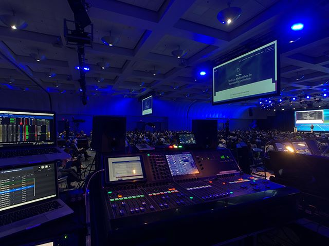 ~San Diego, CA~ @yamahaproaudio CL5 and @meyersoundlabs Melodie Package with Galileo 616's from VX3,  their packages are quick to deploy and very clean.  First show flying with the @tcelectronic Clarity M for broadcast/record feed monitoring and it has been a game changer.  Redundant @figure53 QLab rig over @audinate DVS with the widgeteering trigger.  #foh #audio #widgeteering #meyer #melodie #UPA #UPJ #upm #dante #CL5 #Yamaha #proaudio #vx3llc