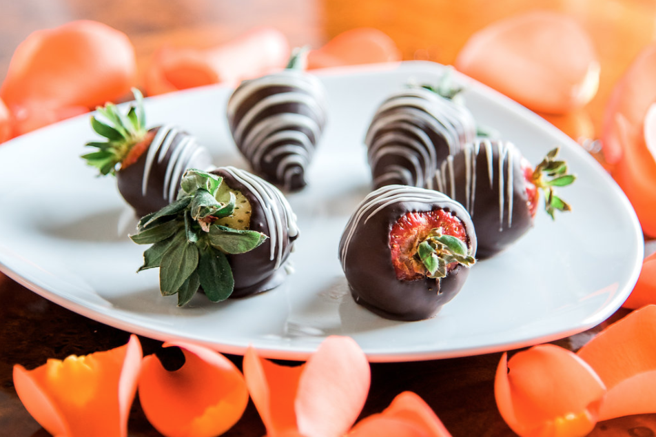 Romance Package - Package includes overnight accommodations, afternoon tea, bottle of wine, chocolate covered strawberries, six-course dinner, breakfast tray, and full breakfast. Rates starting at $349 per night, based on double occupancy