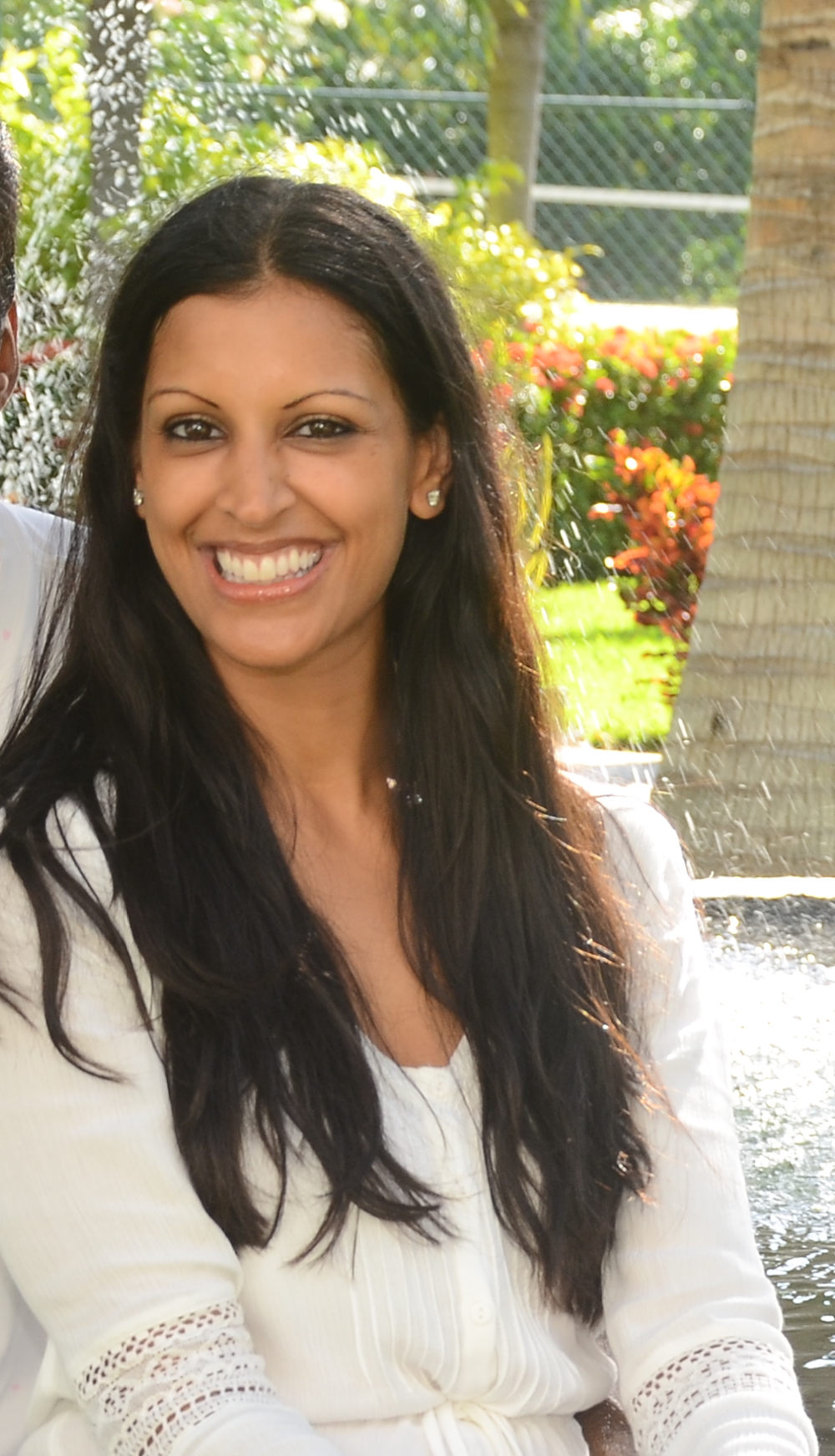 Dr. Pooja  Gupta graduated from Midwestern University in Downers Grove, IL with a doctorate in physical therapy.  Her speciality as a physical therapist has been in orthopedic medicine and sports-related injuries.  Currently, Pooja is at home with her daughter (4) and son (2) and enjoys volunteering at the South Bay Adult School, the South Bay Indian Association and Pratham, a non-profit organization working to educated children in India to escape the poverty system.