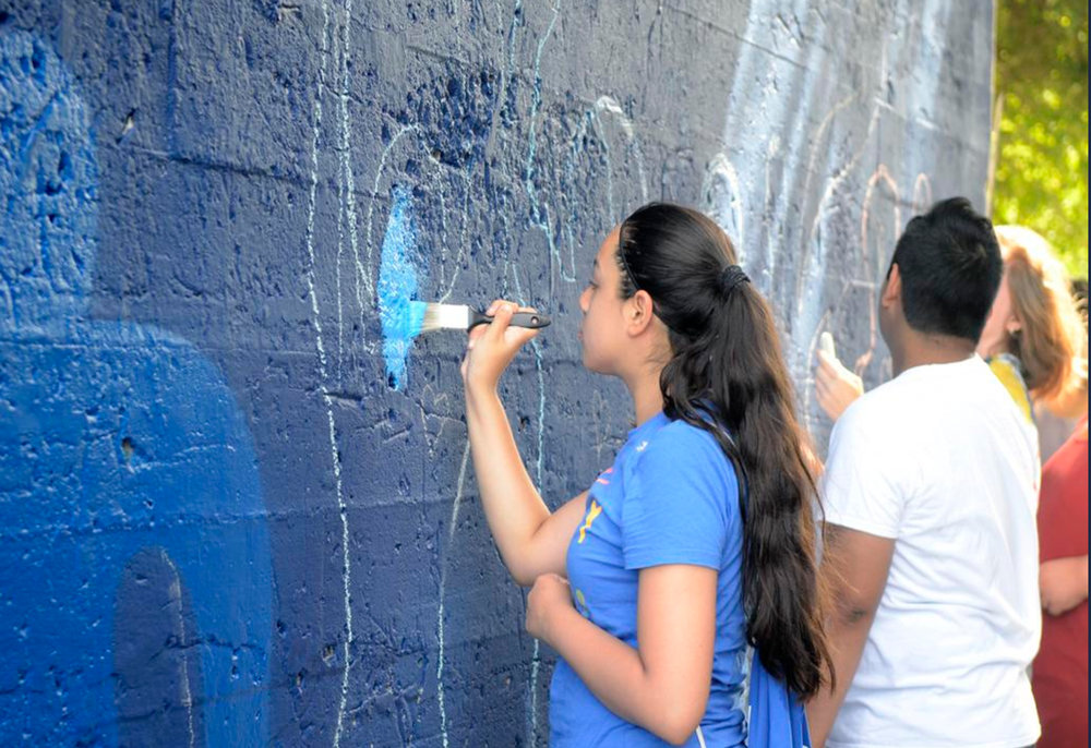 Youth working on Royals mural_JTDaniels_2017