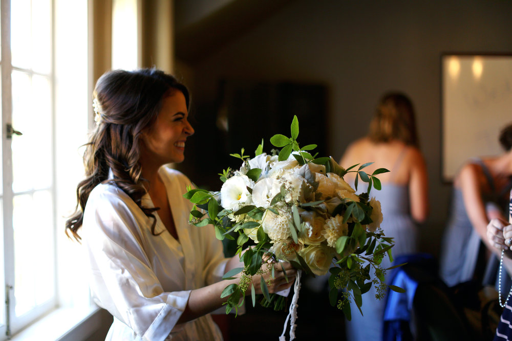 Sublime Stems | Inglewood Golf Course | Kenmore | Angela Lyons Photography | Happy Bride
