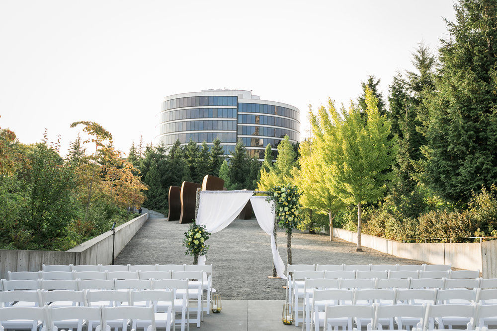 seattle-wedding-northwest-modern-chuppah-floral-yellow-greenery