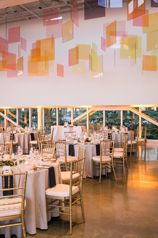 seattle-wedding-modern-reception-geometric-greenery-floral