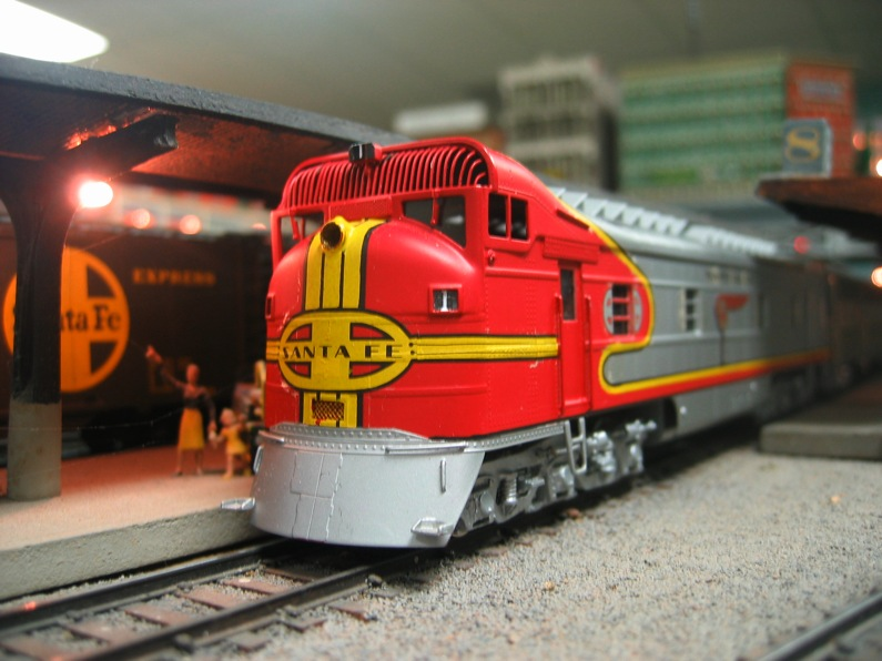 Santa Fe F3 17 waits with the Super Chief Modeler: John Deka