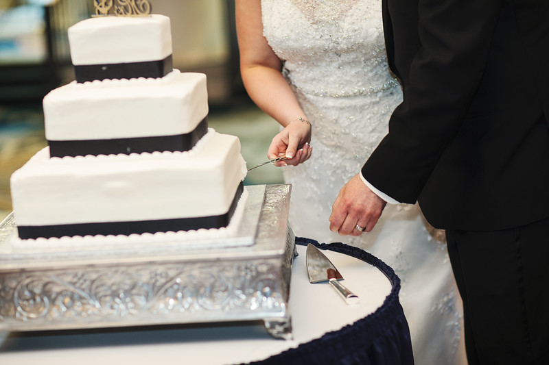 Photo credit: Ideal Impressions Photography //   Wedding Planning: Graceful Events   // Wedding Cake: Bittner's Bakery