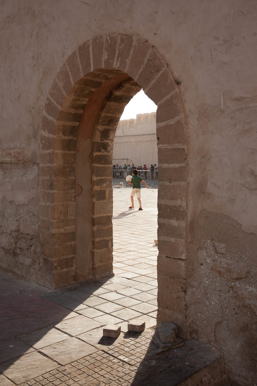 BETWEEN WALLS - MOROCCO