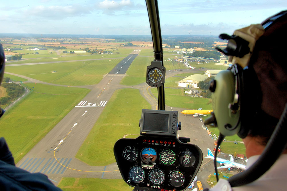Robinson_r44_astra_helicopter_view_at_kemble_arp.jpg