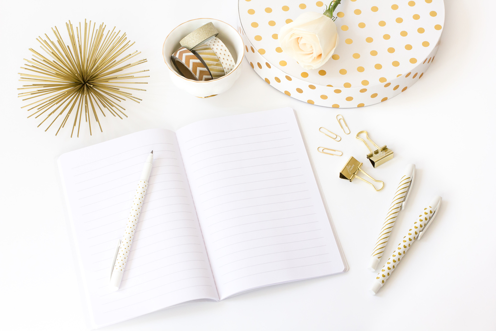 hc-styled-stock-white-gold-6.jpg
