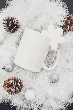 haute-chocolate-styled-holiday-stock-photos-mockups-10.jpg