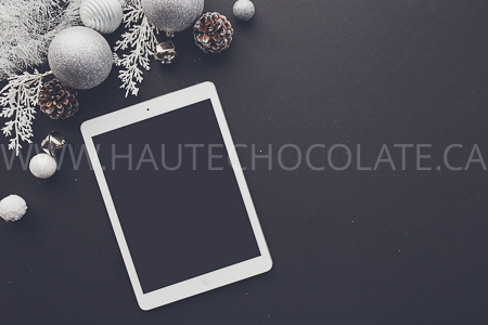 haute-chocolate-styled-holiday-stock-photos-mockups-25.jpg