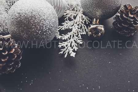 haute-chocolate-styled-holiday-stock-photos-mockups-30.jpg