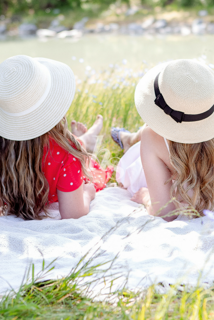 Summertime friendship - these images from Haute Stock photography are perfect for lifestyle bloggers and brands that are all about that laid-back lifestyle. Haute Stock Members get access to all the images in this collection.