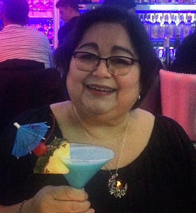 Mom + Martini = Fun Times 🍸#mom #martinis #girlsnight @camuy57 @amh2506
