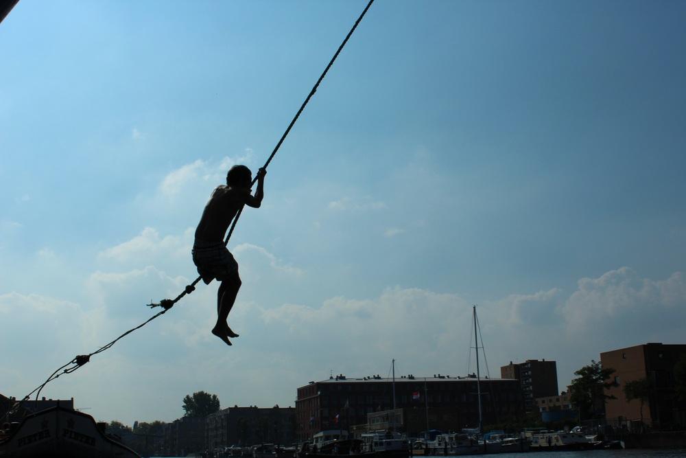 swing.boat2.jpg