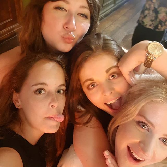 #tb to that time we said goodbye to the younger Little One and got drunk (fyi not all my throwbacks are with Yaz) #tbt #girlsnightout #nightout #leavingdrinks #london #cocktails #LoveTheseGirls #trueLove #love