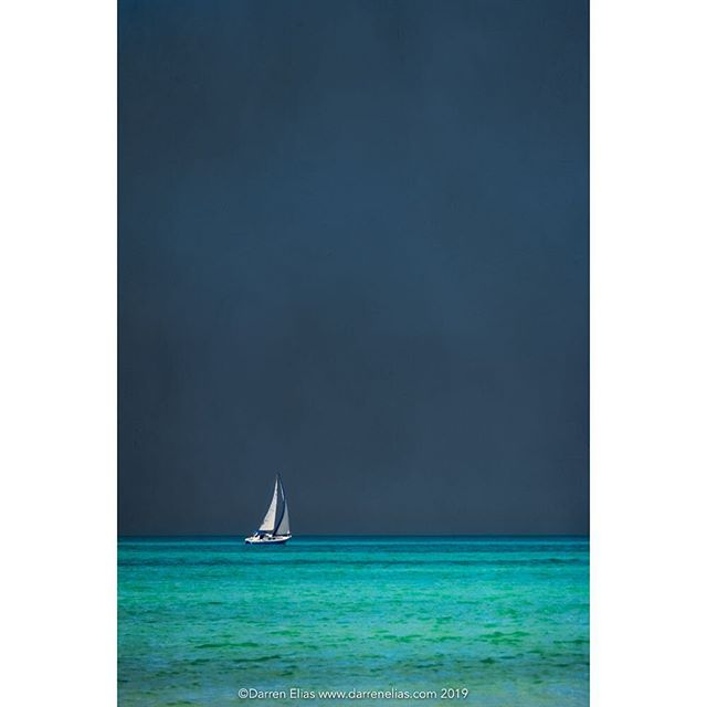 Sailing the Gulf II  #gulfcoast #seascape #sailboat #sunset @nikonusa #d850 @samys_camera #gulfofmexico #naples #naplesflorida #darrenelias #darreneliasphotography #naplesinwinter #breakfromwinter @onlyinflorida #florida #turquoise #darkskies #sailing