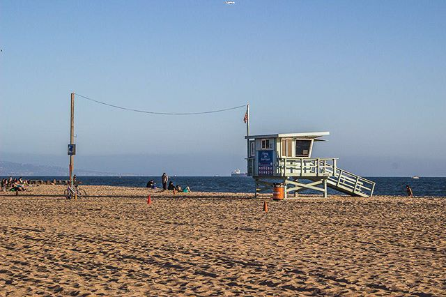 Whether you'd rather be floating in the surf or lounging in the sand, this is a great weekend to head out and hit the beach. Just make sure to give a lifeguard a high five for keeping people safe!⠀ ⠀ ------------------------⠀ ⠀ #playadelrey #beachlife #beachwalk #beachmode #beachmood #beachmoments #socalbeaches #beachlifestyle #lifeguard #lifeguards #socalphotographer #socalshooters #socalshooter #socalliving #californiasun #californiasunshine #sunbathıng #igerslosangeles #ig_losangeles #californialove #california_igers #californiadreaming #californialiving #californialife #cityofangels #insta_losangeles #lastory #ilovela #losangelesgrammers  #westcoast_exposures