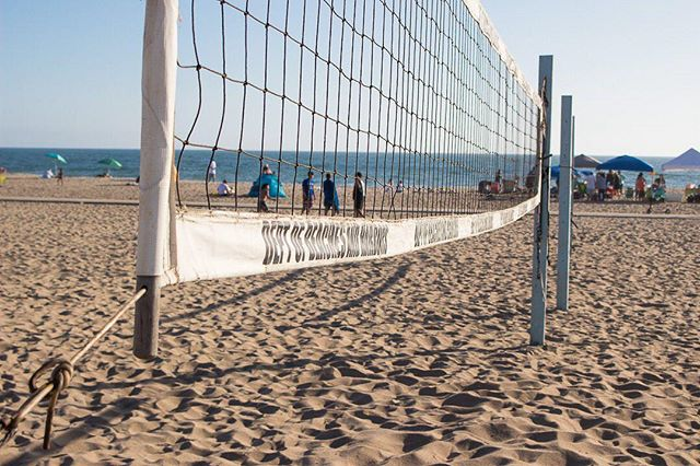 Ready to play some volleyball? The beach is waiting for you.⠀ ⠀ -----------------------------⠀ ⠀ #playadelrey #beachwalk #beachmode #beachmood #beachmoments #socalbeaches #beachlifestyle #beachwalks #beachvolley #beachvolleyball #volleyballtime #beachgames #beachball #socalphotographer #socalshooters #socalshooter #socalliving #pacificocean #pacificcoast #pacificblue #pacificwonderland #californiacoast #californiacoastline #losangelescity #igerslosangeles #ig_losangeles #californialove #california_igers #californiadreaming #californialiving