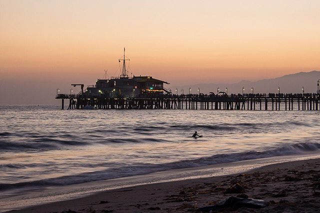Is there anything better than surfing at sunset? Obviously not.⠀ ⠀ --------------------------⠀ ⠀ #surfcoast #surftime #surflifestyle #surfpics #surf_shots #surfcity #surfphotography #gonesurfing #californiasurf #santamonicapier #santamonicabeach #santamonicasunset #santamonicalife #boardwalks #sunsetbeach #sunset_ig #sunsetsky #sunsetpic #sunsetview #sunsettime #californiasunsets #californiasunset #sunsetaddict #sunsetinthecity #sunsetimages #nightfall #sunsetting #sunset_captures #sunset_lovers #sunsetview