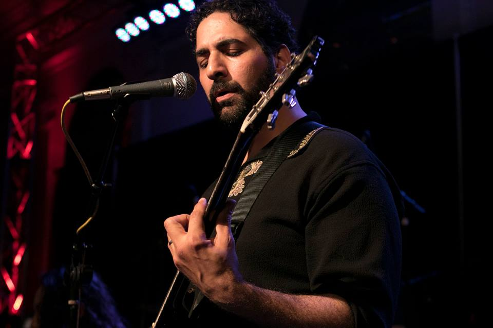 ronnie baeoa guitar.jpg