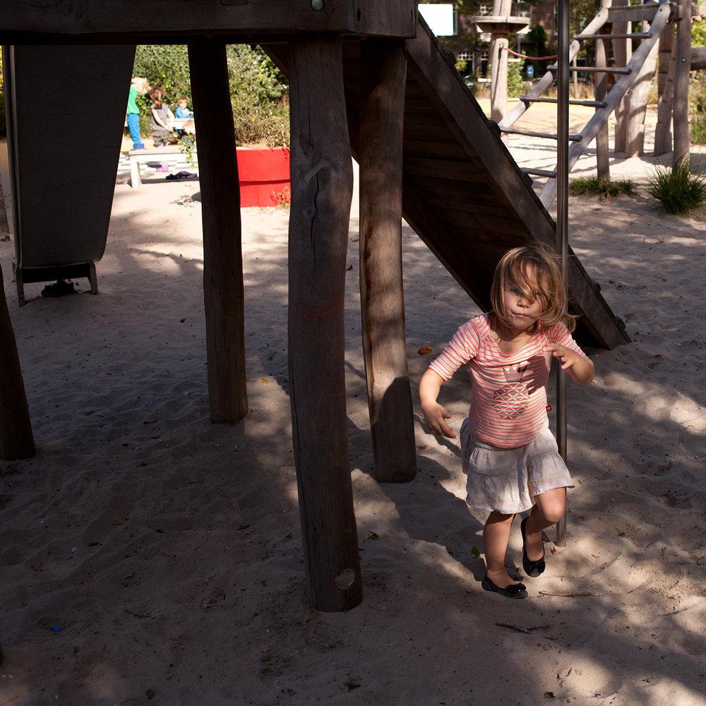 Ik ben Lot, 5 jaar. Op woensdag ga ik eerst dansen en kan daarna nog spelen