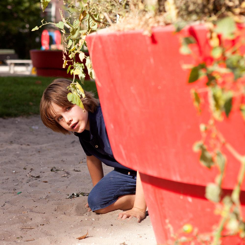 Ik ben Oscar, 8 jaar. Op woensdag lunchen we met veel vrienden in de speeltuin.