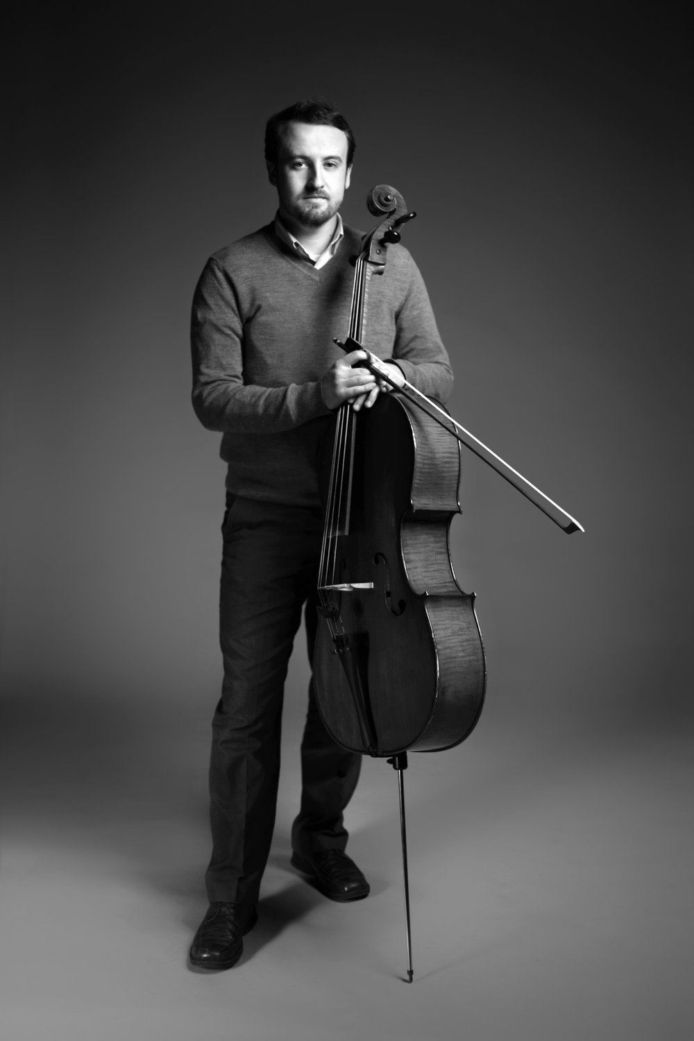 Ryan Ash, cellist, began his musical studies on the piano at the age of six. He earned his Bachelor of Music degree at the University of Illinois at Urbana-Champaign, studying cello with Brandon Vamos (of the Grammy-winning Pacifica Quartet) and piano with Dr. Yu-Chi Tai, and his Master of Music degree at the Chicago College of Performing Arts at Roosevelt University with Dr. Tanya Carey, former president of the SAA and with whom he continues long-term teacher training every summer. Ryan has also taken teacher training with Dr. Louis Bergonzi and Dr. Karen Hendricks (cello), Caroline Fraser (piano),  and Melanie Ron (early childhood music).  He has performed in masterclasses for Steven Doane, Richard Aaron, David Halen, Amit Peled, John Sharp, Wendy Warner, the Arianna, Biava, and Shanghai String Quartets, and has spent summers studying at the Meadowmount School, Innsbrook Institute, Madeline Island Music Camp, Britt Festival, and the Astona International Festival in Leysin, Switzerland. Before relocating to Pittsburgh, Ryan performed frequently as a member of the Sinfonia da Camera, the Champaign-Urbana, Eastern Illinois, and Decatur Symphony Orchestras, and the Lyria Piano Trio. His performance of Gian Carlo Menotti's Trio for Two Cellos and Piano was also featured on Chicago's classical radio station 98.7 WFMT. Ryan has since performed recitals of solo and chamber music on the Holy Trinity Concert Series, OvreArts, Music on the Edge, Living Room Chamber Music Project, and appeared with Ripieno Pittsburgh as well as the Westmoreland, Butler County, Huntington, and Ohio Valley symphonies. He maintains a teaching studio at the Center for Young Musicians.