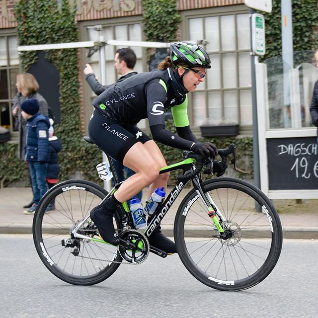 This bike 👌🏼. @cannondaleroad SuperSix Evo Hi-Mod with @vittoriatires @vision_tech_usa @fsa_road @speedplaypedals and one fast racer, @breckinball441 🎳. #cannondalewomen #bringthegreen #slowfastgofast