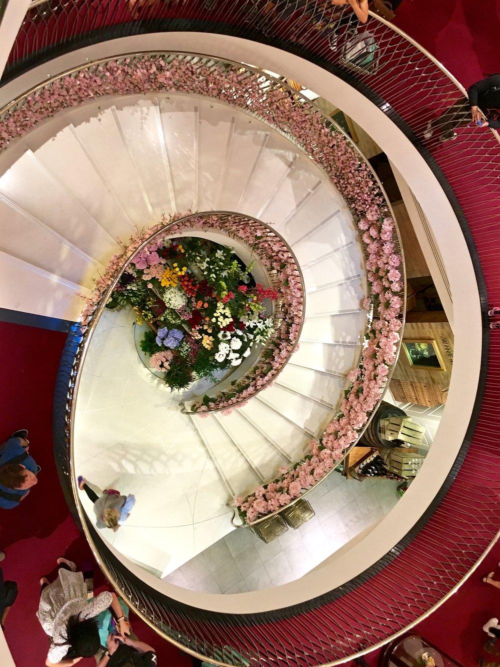 Grand hotel du palais royal paris black tomato - Img_2501 Jpg
