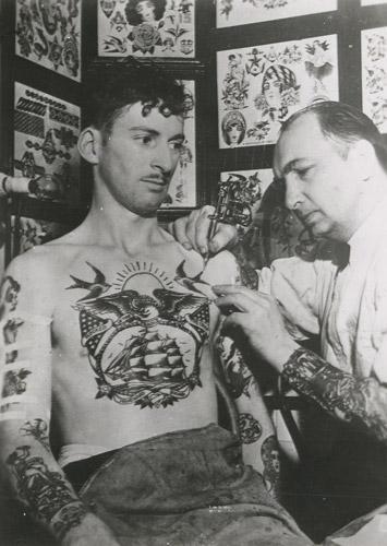 tattoos_tattooist-500pxh-1.jpg