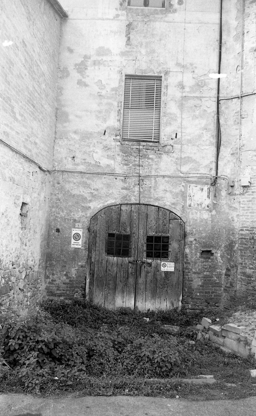 passageway. 35mm.