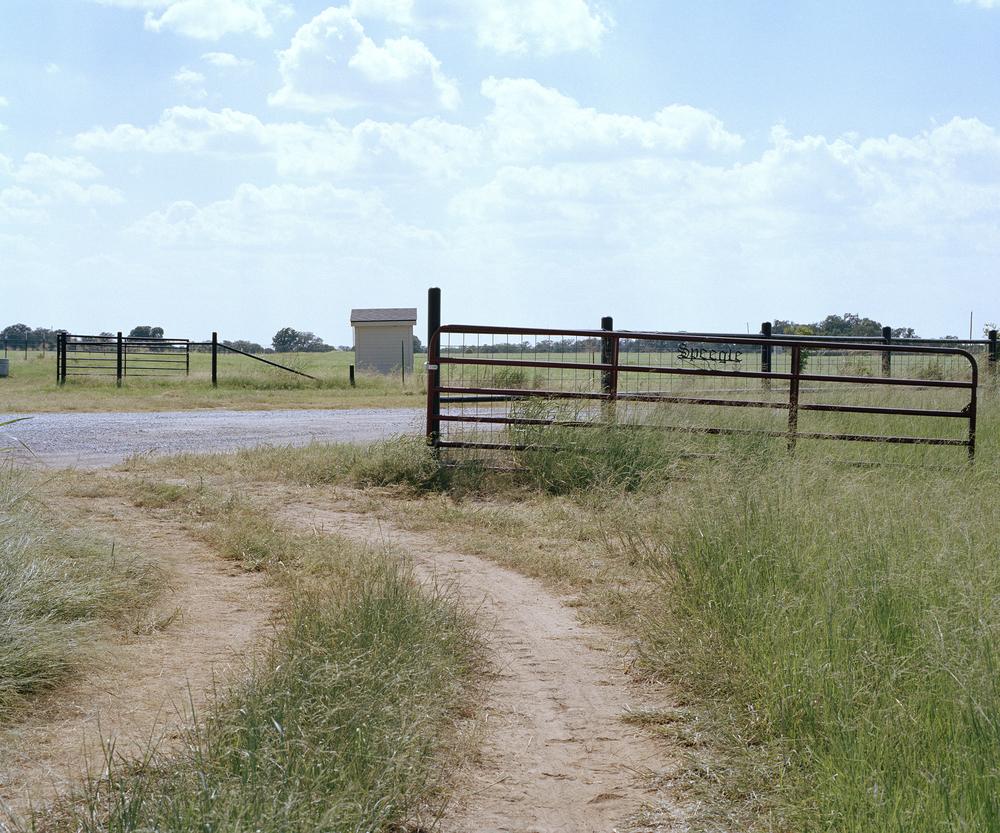 fence 001.jpg