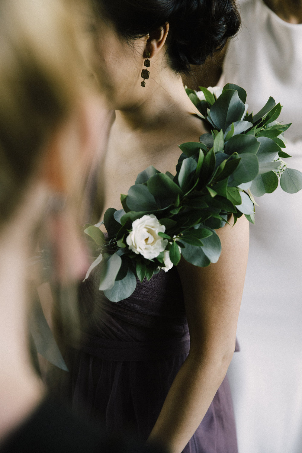 Alternative to bridal bouquets by Venn Floral | Photo by Lucille Lawrence