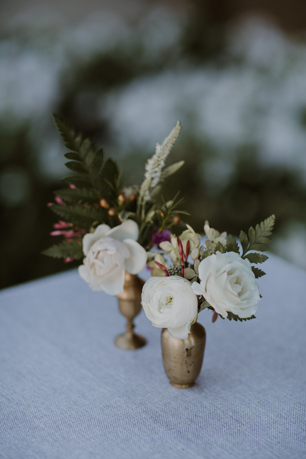 Romantic Healdsburg wedding flowers by Venn Floral, photographed by Gretchen Gause Photography.