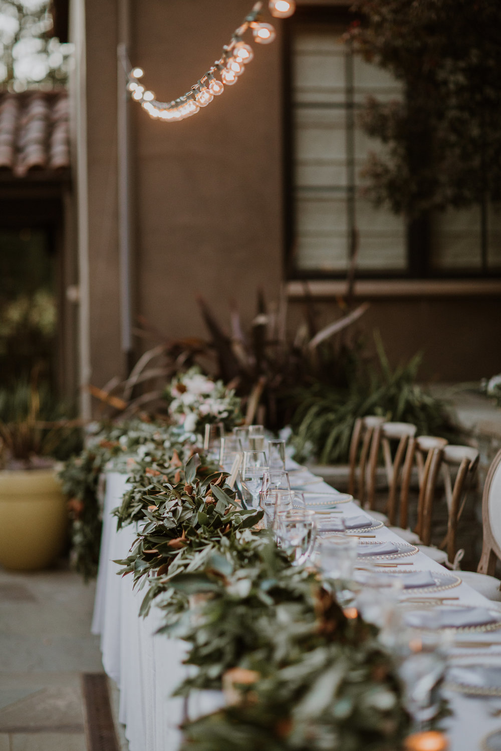 Al fresco Healdsburg wedding  - flowers by Venn Floral, photographed by Gretchen Gause Photography.