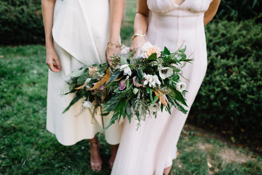 Mendocino wedding flowers at Wild Iris by Venn Floral photographed by Lucille Lawrence.