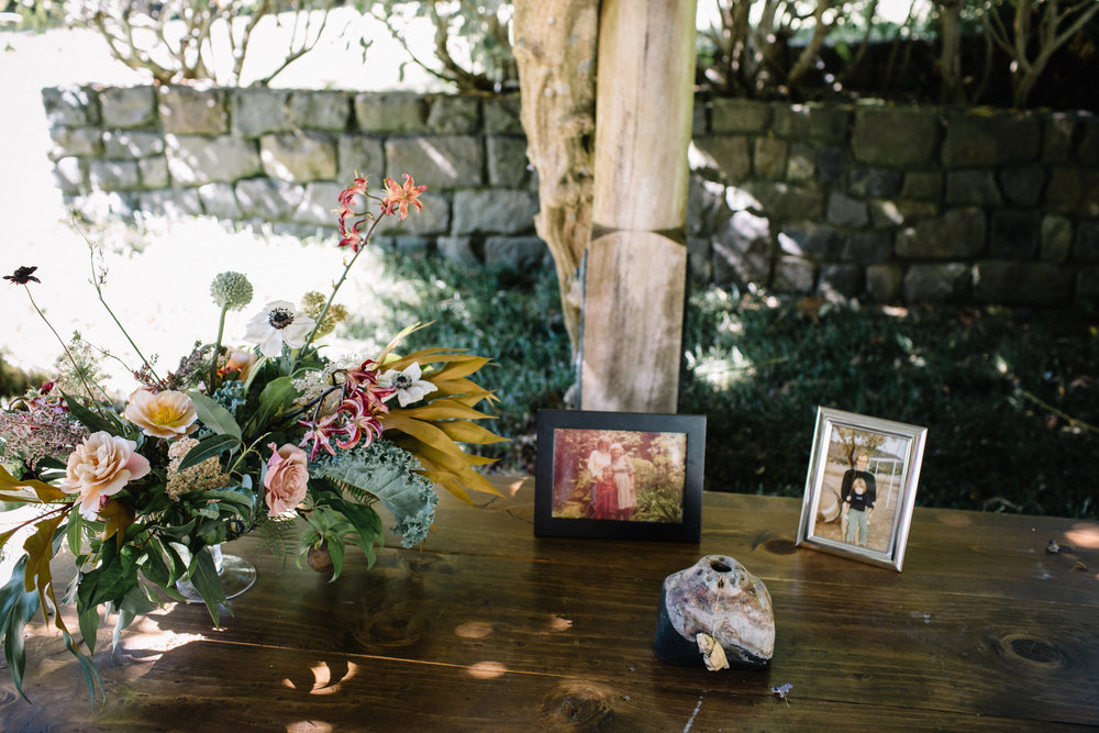 Summer wedding flowers by Venn Floral at Wild Iris Retreat photographed by Venn Floral with Lily Spruce Events.