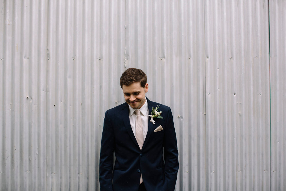 Stylish and candid wedding wedding photography in Northern California by Lucille Lawrence featuring flowers by Venn Floral in Healdsburg at Ru's Farm