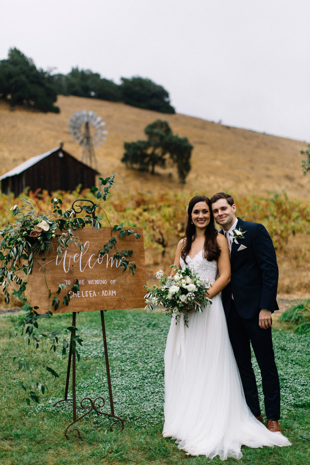 Healdsburg wedding flowers by Venn Floral at Ru's Farm in Healdsburg, California photographed by Lucille Lawrence with Heald Wedding Consulting.