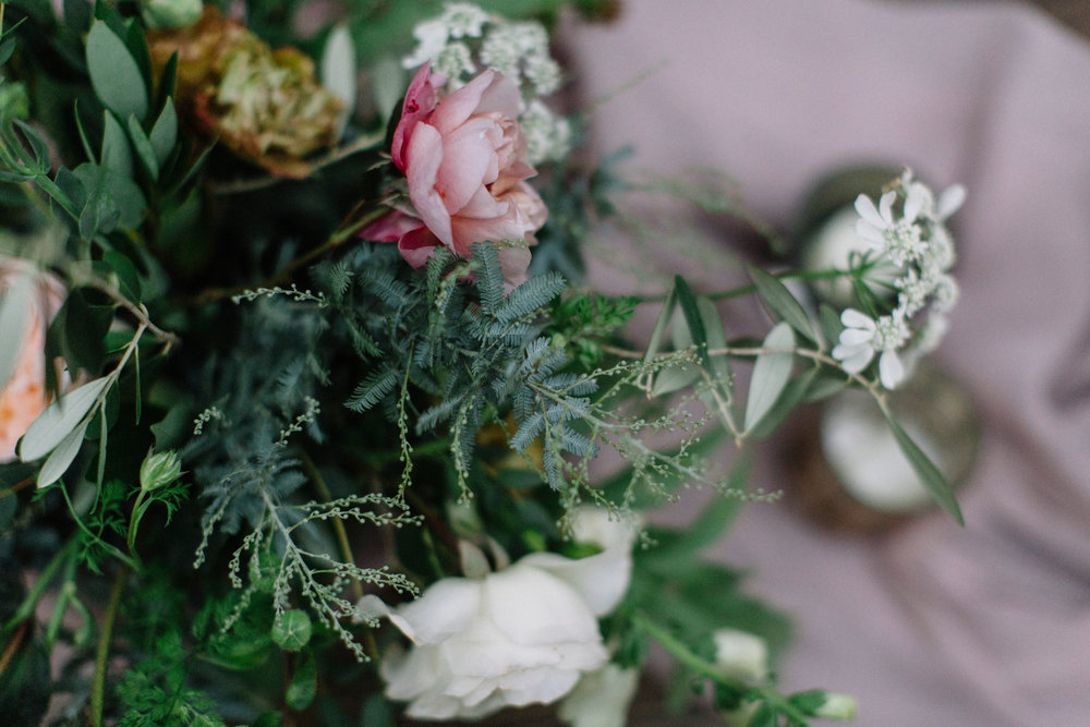 A fresh take on autumnal palette's :Mauve, Sage and Caramel wedding flowers by Venn Floral in Healdsburg, California photographed by Lucille Lawrence at Ru's Farm.