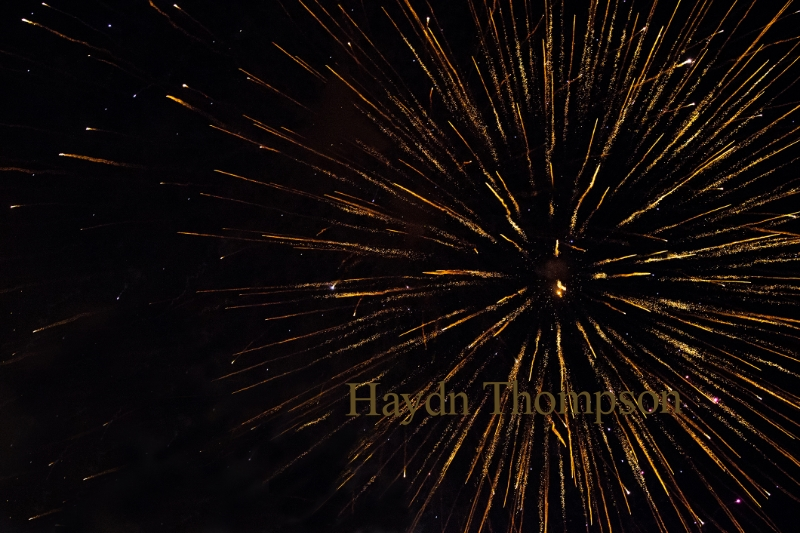 Gold Explosion (2120 x 1415).jpg