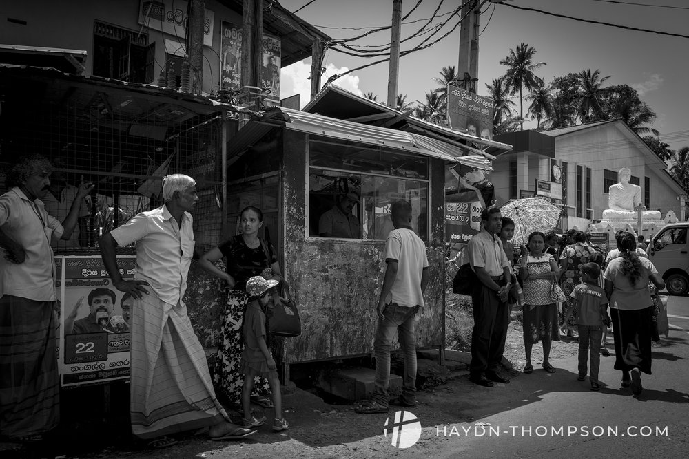 Bus to Galle (Small Size - Watermark).jpg