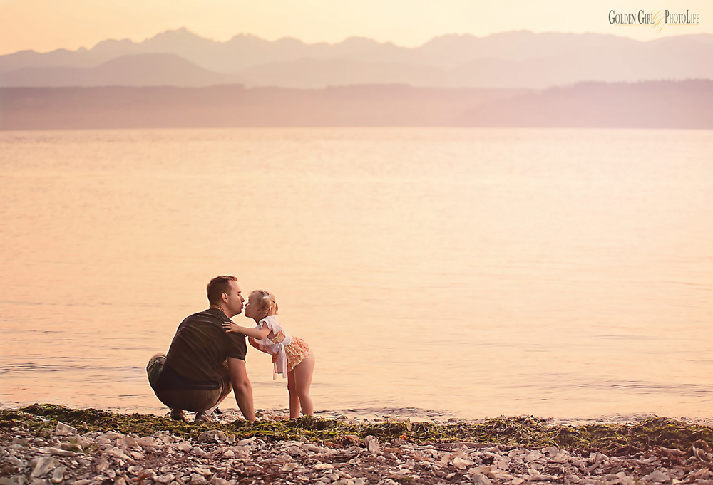 daddy-daughter-beach-poulsbo-wedding-photographer-photo