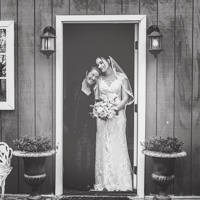 Mom savoring the last moments before she walks her daughter down the aisle....#timeless . . . . . Venue: @medellavinaranchofficial  Bridal Gown: @jbridalboutique @callablanchedress  Florals: @infullbloomfloralstudio  Hair: @kaylaamade Make-up: @dietricks_makeup  Photography: @goldengirlphoto + @chelseagarnerphotography