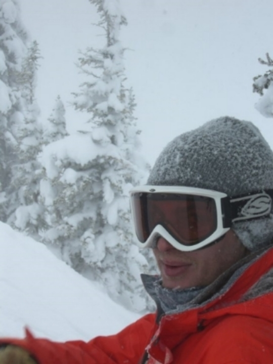 Alex_Levin_Skiing.jpg
